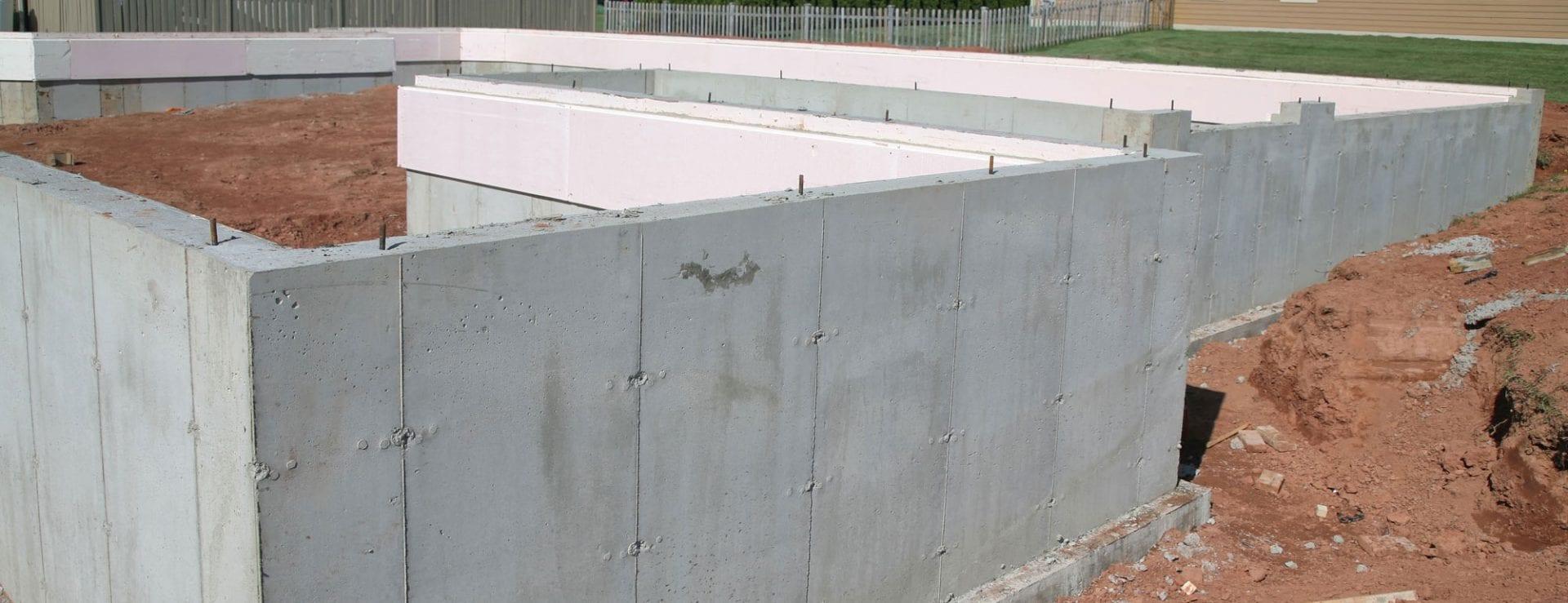 Model de fondation base sans sous-sol avec isolant pour couper le pont thermique