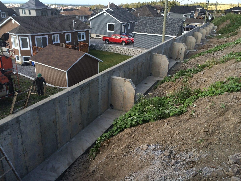 Mur de soutènement résultat final rue de la Bolduc Rimouski